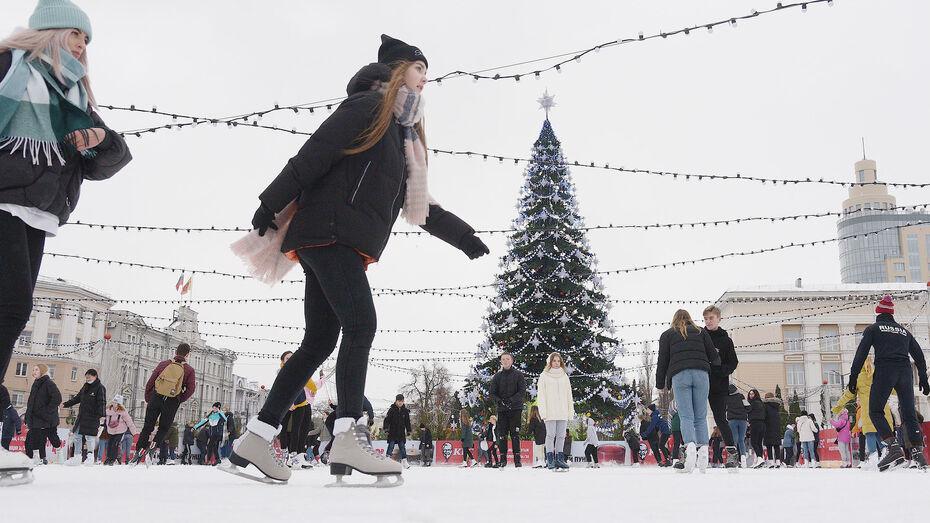На площади Ленина в Воронеже оборудуют 2 катка к новогодним праздникам
