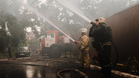 Пожар в отеле на проспекте Труда в Воронеже потушили
