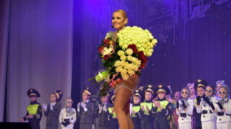 Балерина Анастасия Волочкова даст бесплатные концерты в воронежских райцентрах