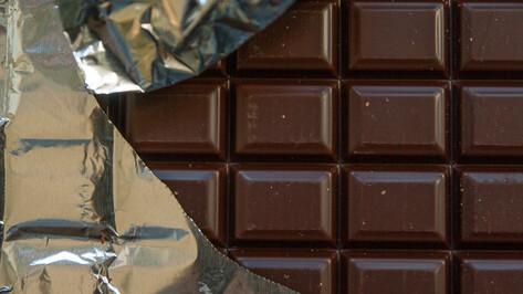 Воронежская таможня не выпустила из страны 1020 поддельных шоколадок