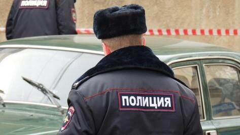 В Воронеже осудили 2 экс-полицейских за взятки и превышение полномочий