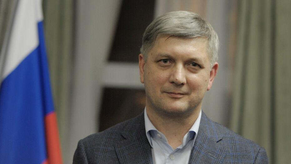 Мэр Воронежа заработал 5,3 млн рублей в 2016 году