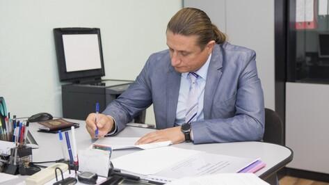 В Воронеже Сергей Чижов подал документы для участия в выборах в Госдуму
