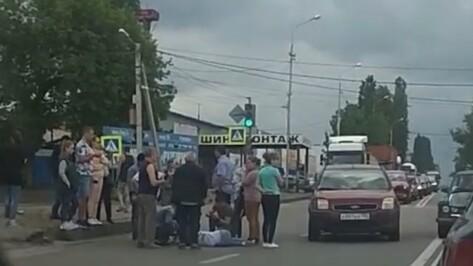 Девушку-подростка сбили возле «зебры» в Воронеже