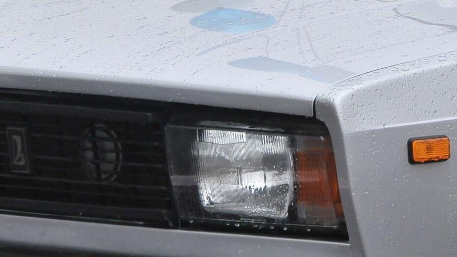 Водитель ВАЗа погиб в загоревшейся после ДТП машине в Воронежской области