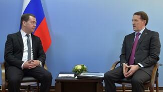 Дмитрий Медведев оценил работу Воронежского шинного завода