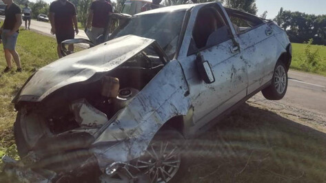 В Воронежской области водитель «Приоры» вылетел с трассы в кювет и погиб