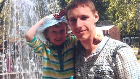 В Воронежской области следствие ищет свидетелей, которые видели 17 июля погибшую 4-летнюю девочку, ее отца или его автомобиль