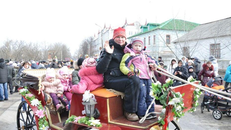 Павловская районная газета угостила читателей блинами
