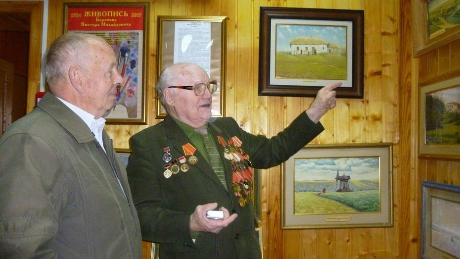 В Нижнедевицке открылась выставка «Малиновый звон России»