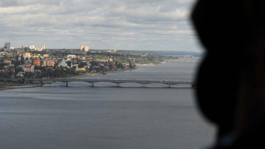 В Воронежском водохранилище у Чернавского моста нашли труп девушки
