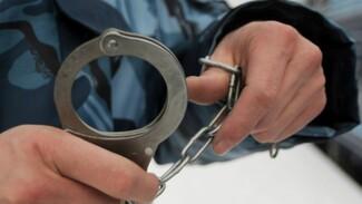 Полицейские задержали подозреваемого в поджогах 3 машин в Воронеже