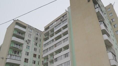 В Воронеже 44-летняя женщина выпала из окна 16-этажки