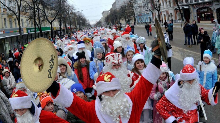 В Воронеже на время парада Дедов Морозов перекроют площадь Ленина и Плехановскую