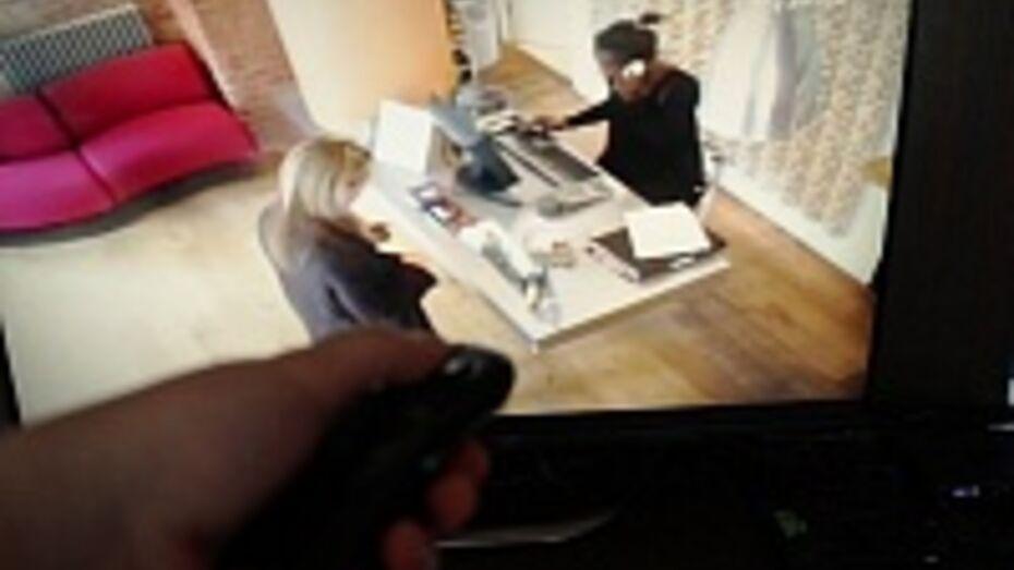 Житель Воронежской области зарезал мать и ранил подругу из-за спора, что смотреть по телевизору