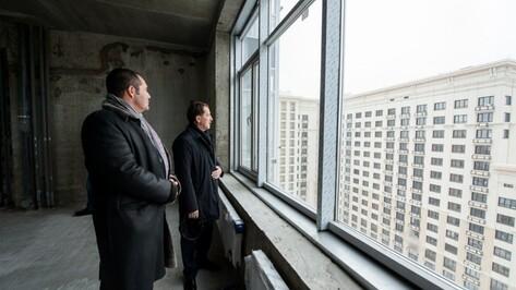Воронежскому губернатору показали двор без парковок