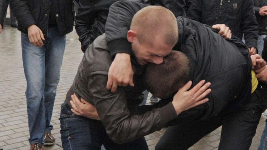 Личности воронежских подростков, избивших полицейских у «Макдональдса», установят в ходе следствия