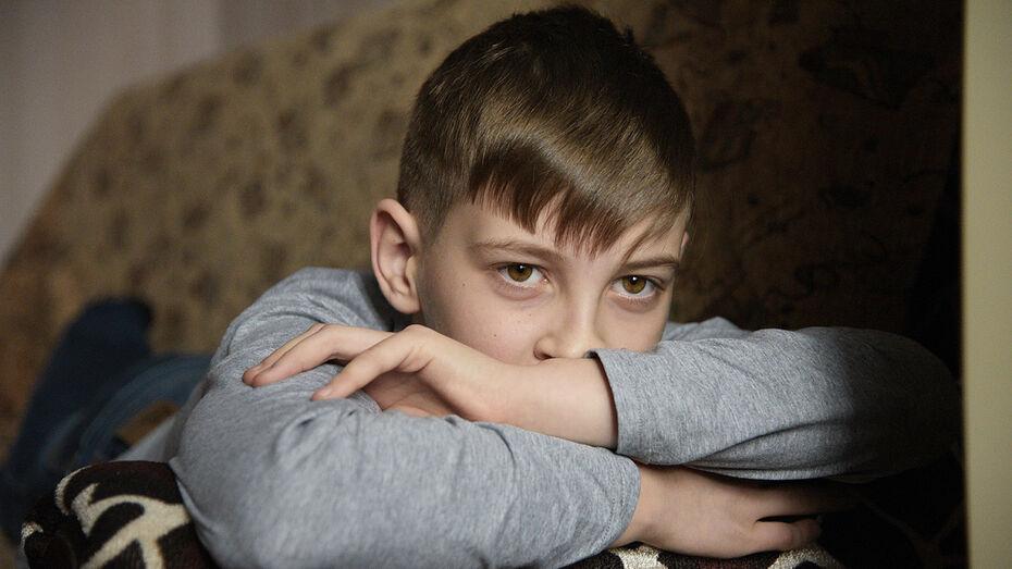 «Мама, почему я такой?» Воронежский мальчик с врожденной аномалией мечтает снова улыбаться