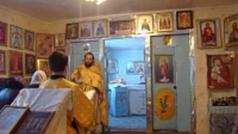 В селе Архангельском прошёл первый молебен в новом храме