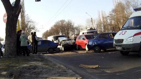 В Воронежской области в столкновении «Волги» и мопеда погиб человек
