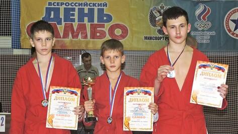 Бутурлиновские самбисты завоевали 2 «золота» и «серебро» на областных соревнованиях
