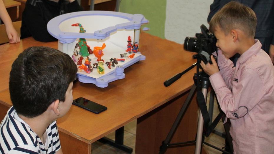 Подгоренскому Дому детства и юношества подарили оборудование для мультипликационной студии