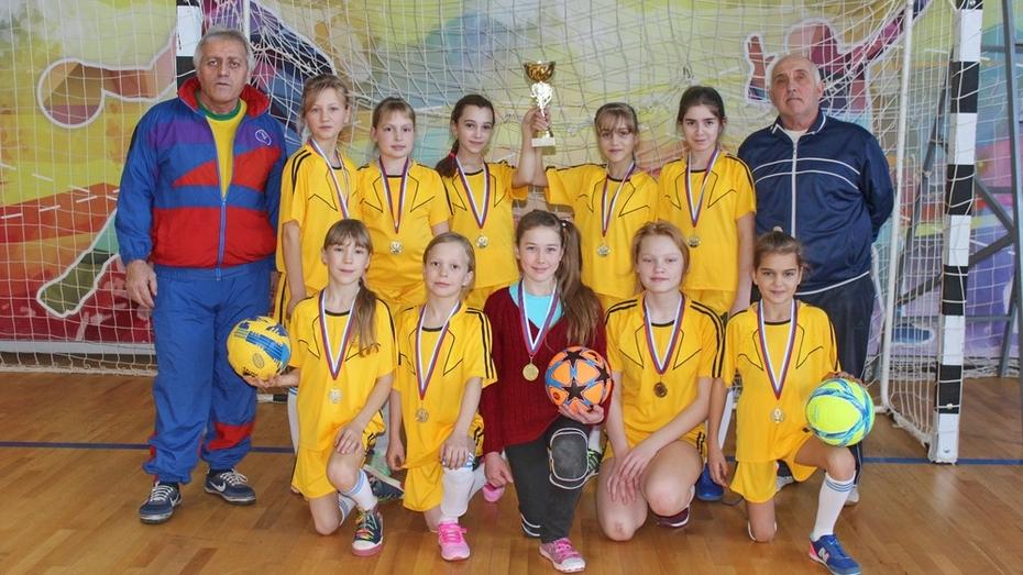 Футболистки из Терновского района победили на областных соревнованиях