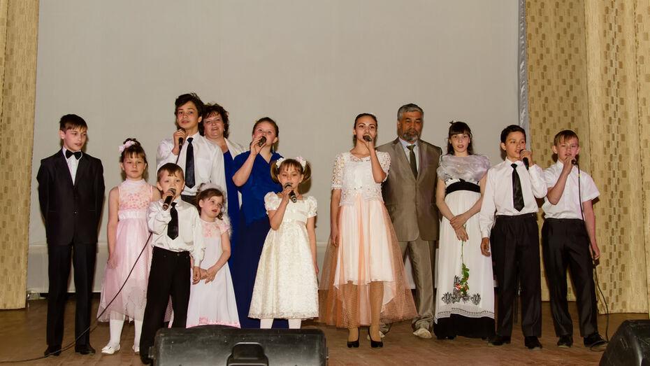 Поворинская семья взяла под опеку троих детей из шоу «Ты супер!»