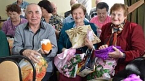 Жители Каширского дома-интерната получили подарки к  Пасхе