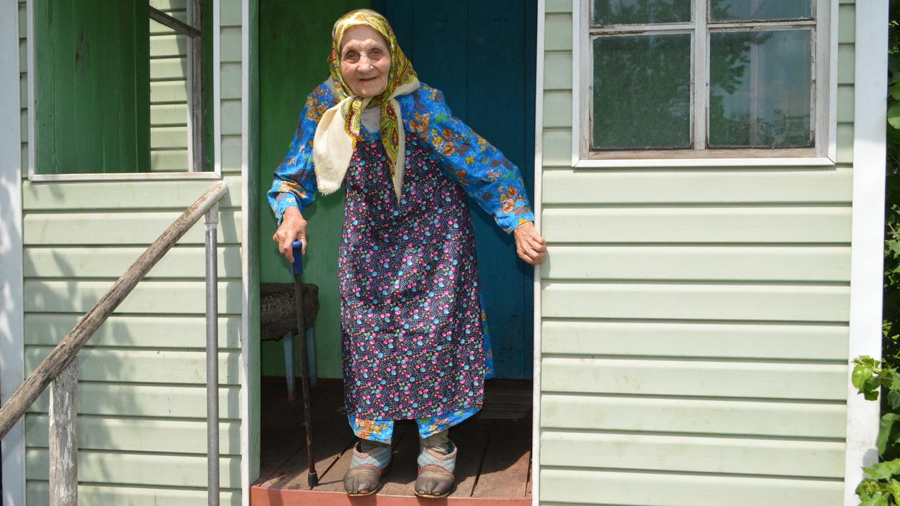 «Всю себя посвятила стране». Жительница воронежского села отметит 100-летие в День России