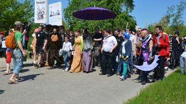 В Воронеже на фестивале аниме девушка-вампир ходила за руку со своим гробом