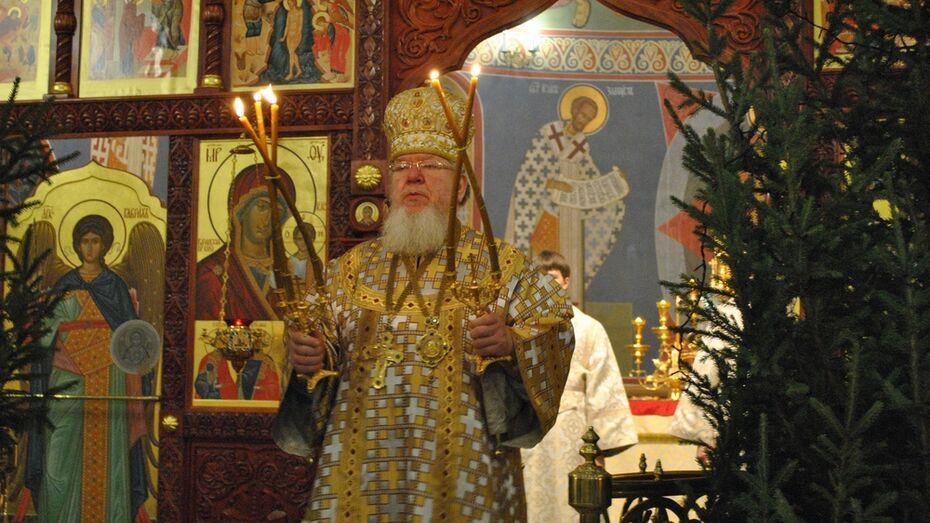 Митрополит Воронежский и Лискинский Сергий отслужил литургию в семилукском храме