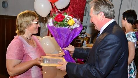 Грибановские медики получили награды к профессиональному празднику