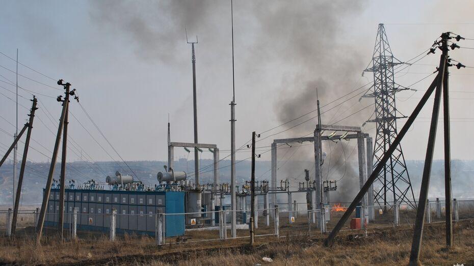 На семилукском хуторе сгорели 4 нежилых дома