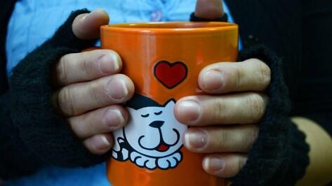 Семилукцы свяжут рукавички для благотворительной ярмарки
