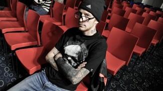 В Воронеже на форуме толерантности выступил «человек-татуировка»