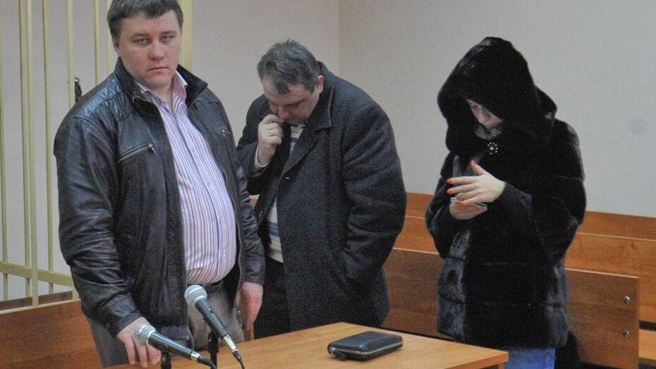 За подлог ради выплаты 780 тыс рублей по автостраховке ДПС-ников наказали штрафами