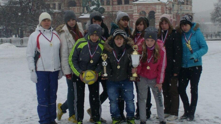 Рамонские футболистки победили в финале ЦФО по мини-футболу
