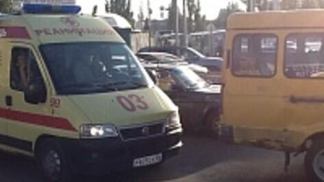 Воронеж встал в пробке на Остужева из-за 8 ДТП