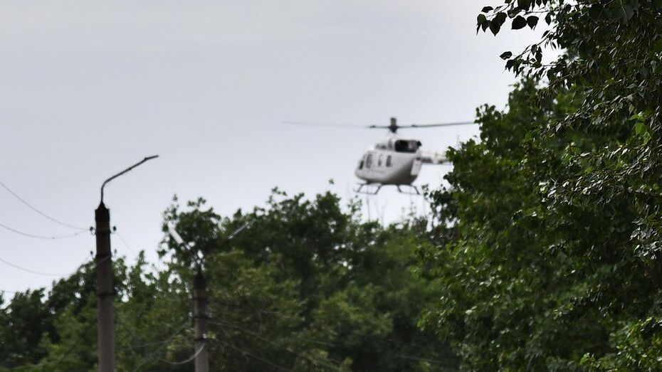 Пострадавшего при пожаре бутурлиновского пенсионера доставили вертолетом в ожоговый центр
