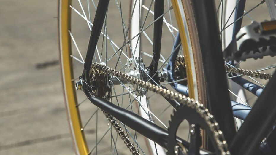 В Павловске 12-летний велосипедист въехал в Chevrolet Aveo