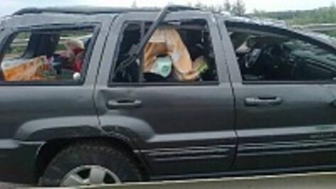 В Верхнемамонском районе на трассе М-4 «Дон» опрокинулся Jeep Grand Cherokee