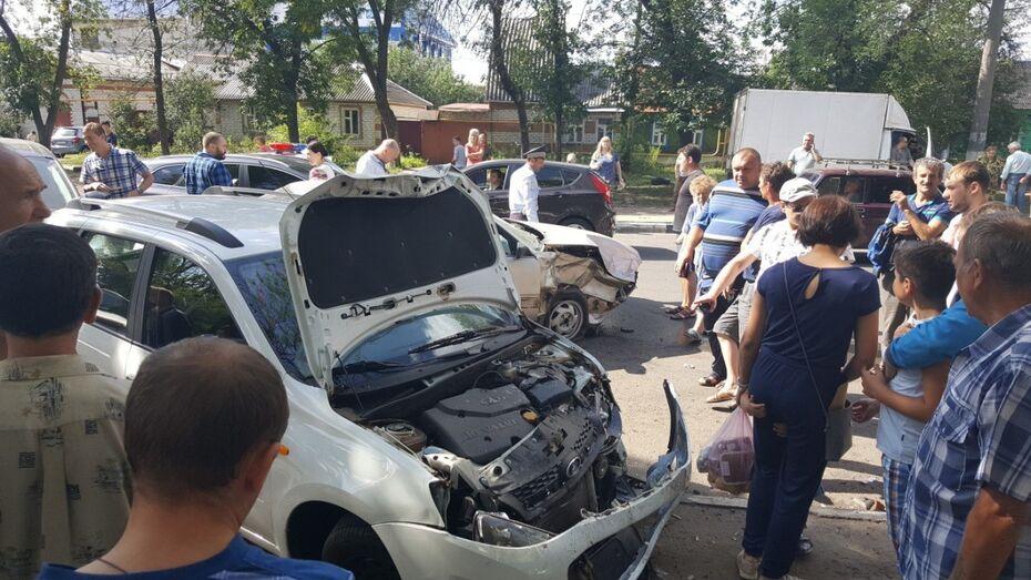 Пьяный воронежец без прав спровоцировал ДТП с 3 автомобилями