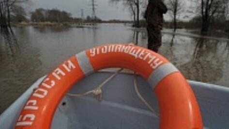 Под Борисоглебском затоплен мост, связывающий два села