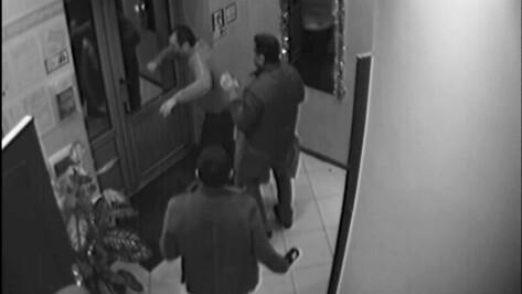 Обвиняемого в убийстве в воронежском кафе «Лесная сказка» оставили под домашним арестом