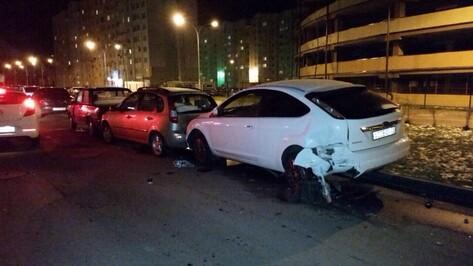 В Воронеже автомобилист разбил более 15 машин: ДТП попало на видео