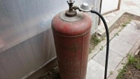 В Воронежской области оператор заправки заплатит штраф за угрозу взрыва газовых баллонов