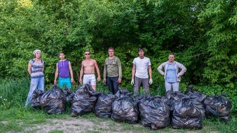 Острогожцы очистили пляж Тихой Сосны
