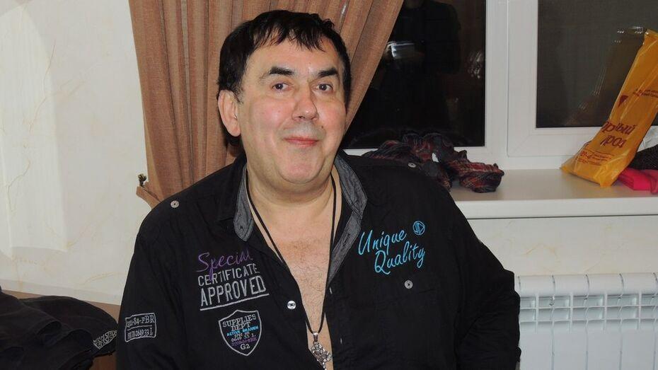 В Воронеже Стасу Садальскому подруга детства подарила несколько пакетов с домашними соленьями