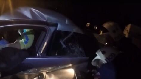 В сети появилось видео работы спасателей на месте ДТП с трактором в Воронеже